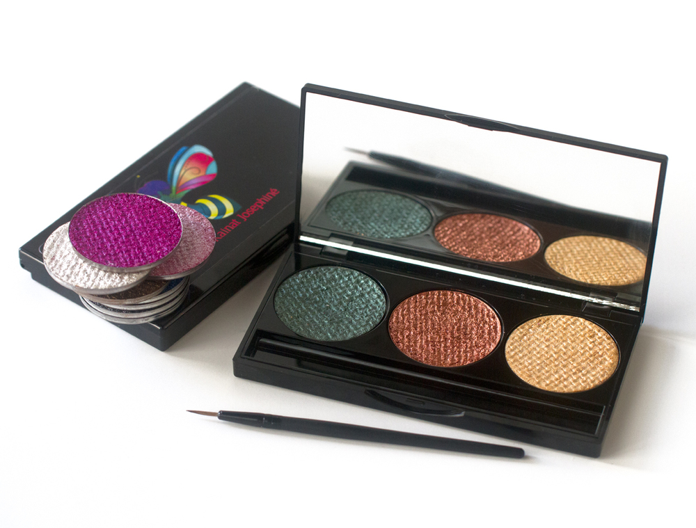 Everyone who has tried our eye shadow can't compare it to any other eye shadows on the market! This eye shadow was created with mica minerals therefore it has no artificial colors or dyes!