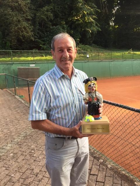 Sigi mit dem Hans-Epper-Wanderpreis