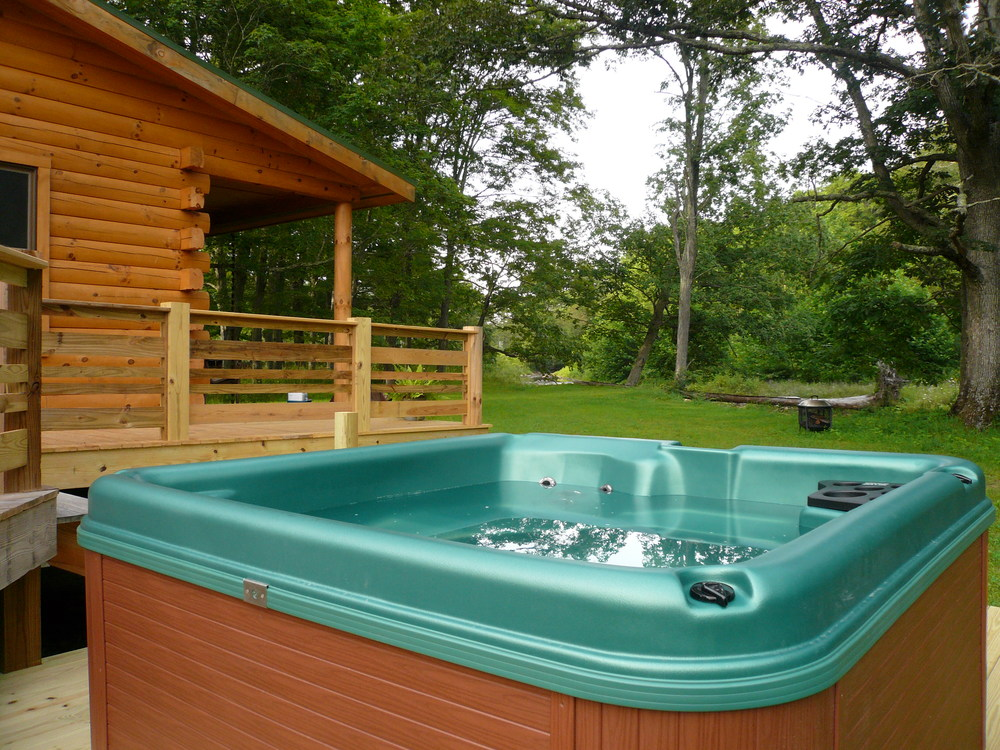 cabin_hottub_creek.JPG