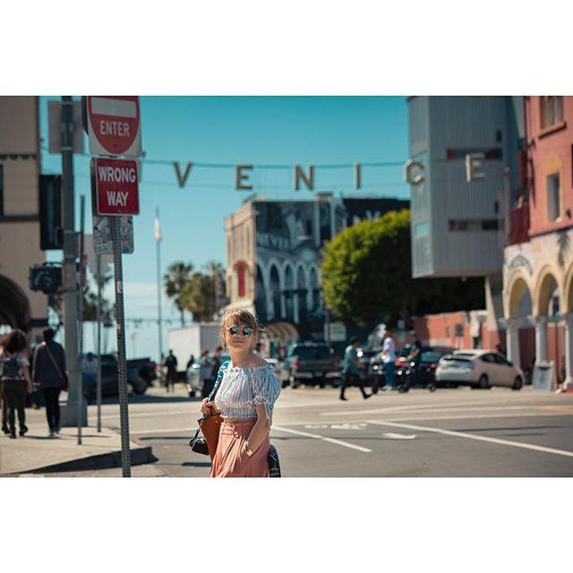 West coast Lisa. . . . . #notesfromtheroad #venicebeach #canon5d3 #canon #westcoast #beach #ca #shoot #california #cinematography #director #dırectorofphotography #cinematography #californiaadventure #travel #adventure #life #ocean #pacificocean #venice