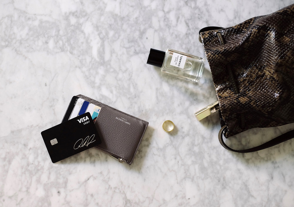 SAINT LAURENT   Wallet   / SQUARE   Cash Card   / CHANEL   Facial Oil   / KAT KIM   Ring   / KJAER WEIS   Mascara   / ATP ATELIER   Bag
