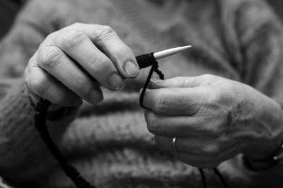 knitter_bw.jpg