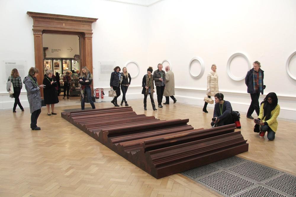 Bed, 2004 -200 x 600cm