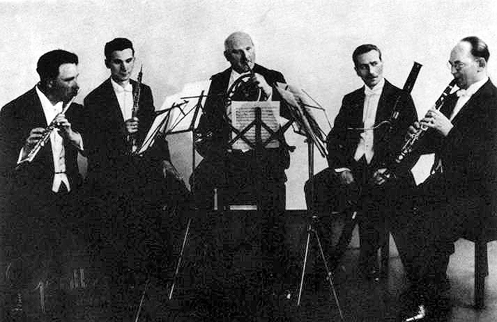 The Gewandhaus Quintet, c. 1933: Carl Bartuzat, Flute; Rudolf Kempe, oboe;Wilhelm Kruger, horn; Gunther Weigelt, bassoon; Willi Schreinicke, clarinet. Kempe and Frehse do not feature on the Hindemith recording. Image supplied by Robert Ostermeyer.