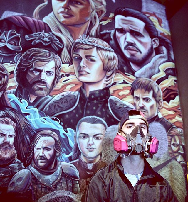 This year I started doing art full time, it's been a long 4 years here in LA working to this point. Never doubt yourself and even though it's stressful finding your true potential, you always have time to progress and grow.  @joecoffeela 📸 @brianhammers  @gameofthrones @gameofthronesnotofficial @gameofthronesmore @gameofthronesplus #gameofthrones #winterishere #georgerrmartin #chalkart #chalkartist #fireandice #westeros #portraitart #peterdinklage