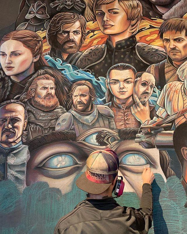 Third eye blind 📸 @becca__joy  #gameofthrones #got #gothbo #girlportraits #losangeles #laart #laartist #threeeyedraven #gameofthronesfamily #chalkportrait #aryastark #manyfacedgod #supernaturalart #chalk #losangelesmurals #nawden_arts #artlovers #lannisters #starks #fireandice