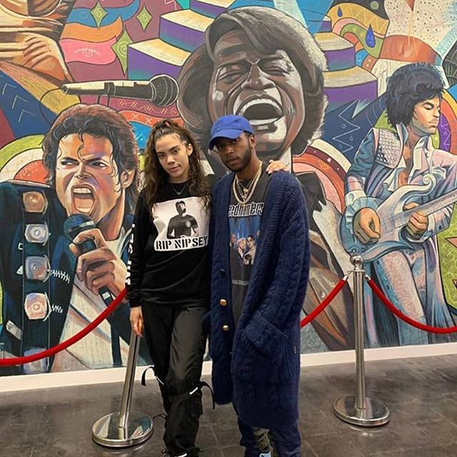 Insane to see one of my favorite artists in front of the mural I did for @kmdanceacademy. @6lack is easily one of the most influential voices in music right now, and to see him interacting with one of my pieces makes the countless hours feel worth it. Big city small world. #6lack #eastatlantaloveletter #free6lack