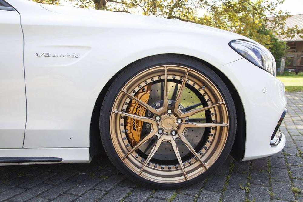 low_KW_V3_Mercedes-Benz_C63AMG_Standaufnahme_Detail.jpg