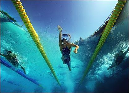 _41806398_swimmer416