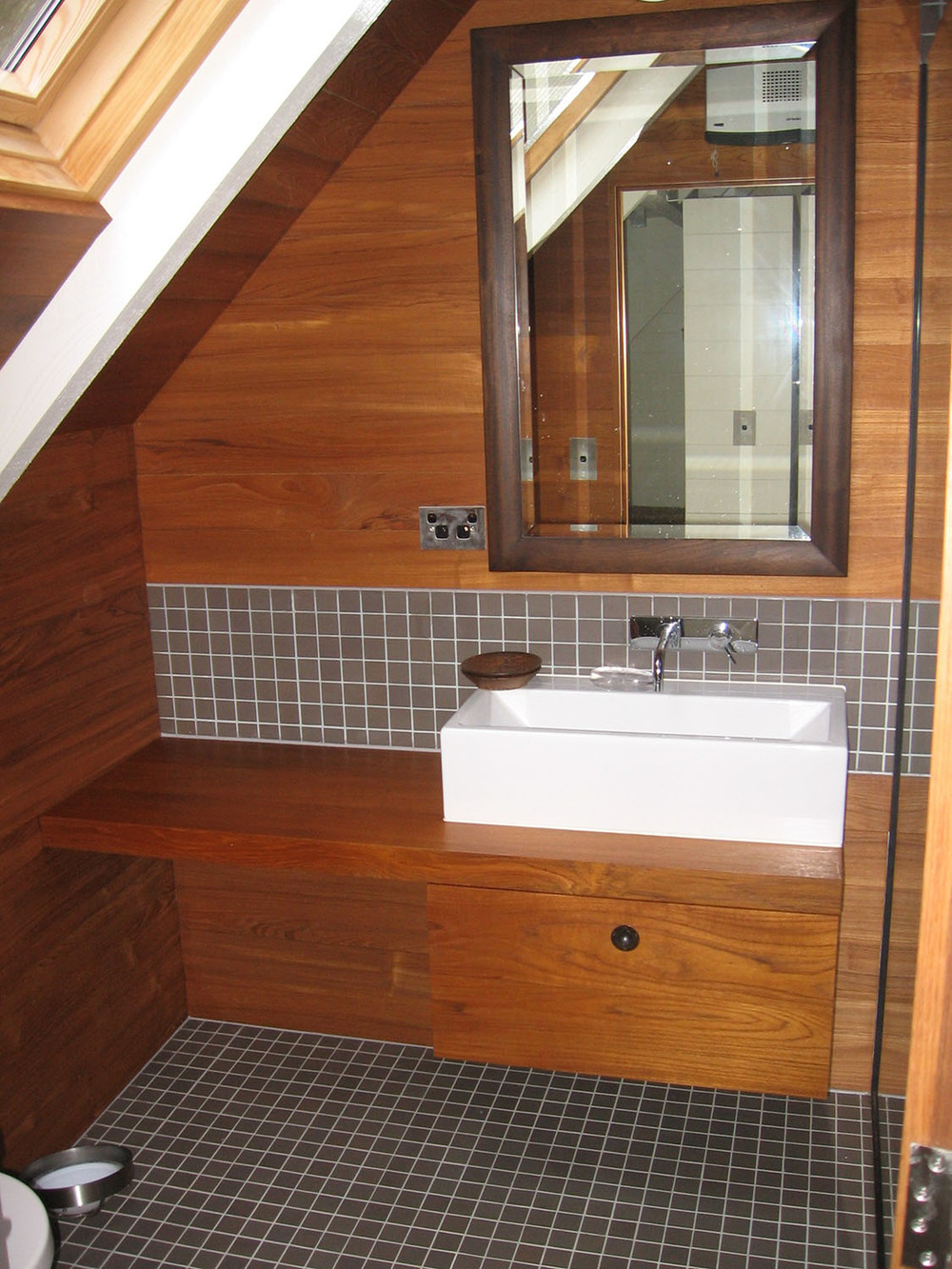 Teak ensuite bathroom unit