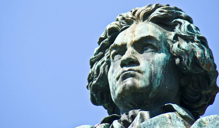 aftershokz-beethoven-statue-2013.jpg