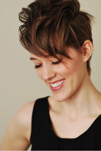 Lucy Dhegrae, soprano