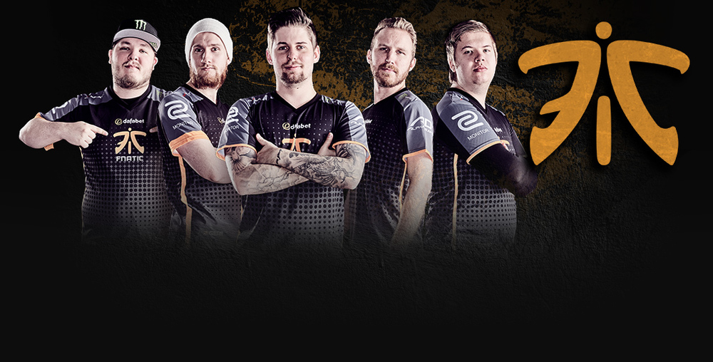 fnatic team photo