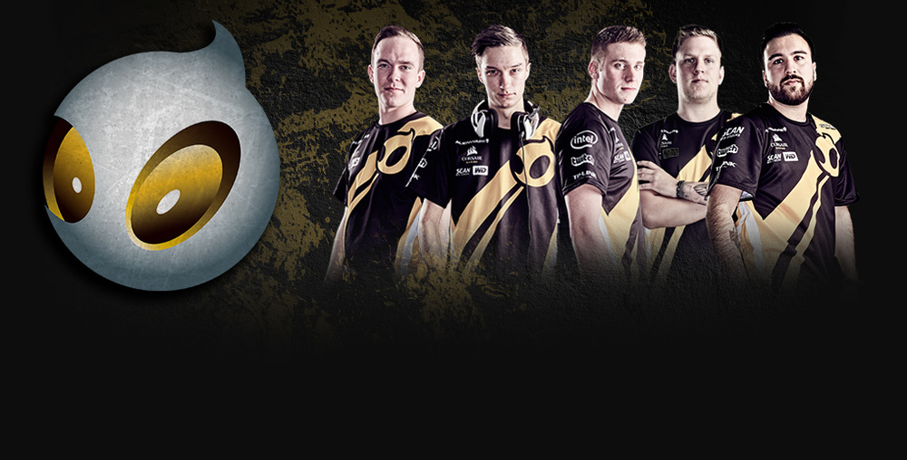dignitas team photo