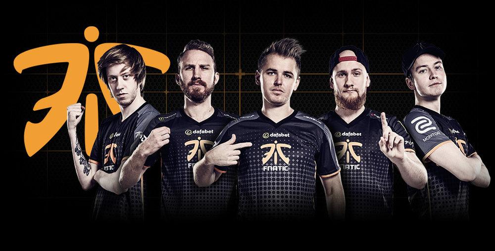 fnatic team photo