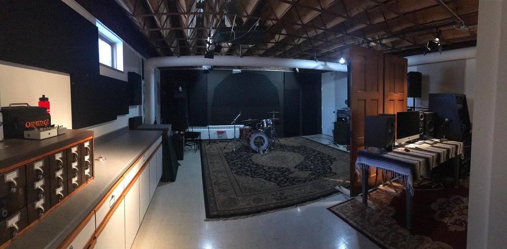 Studio img.jpeg