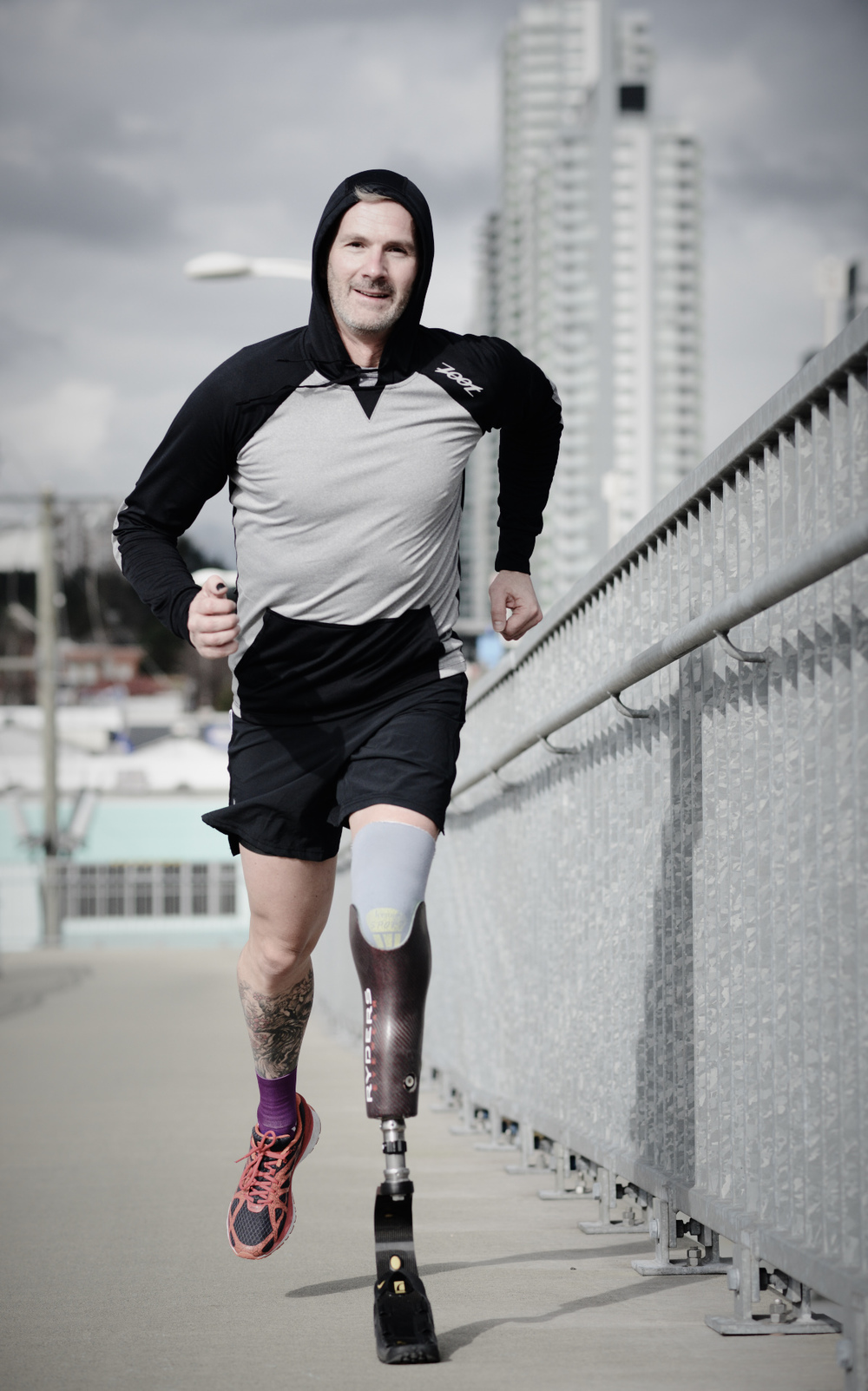 runner with transtibial prosthesis