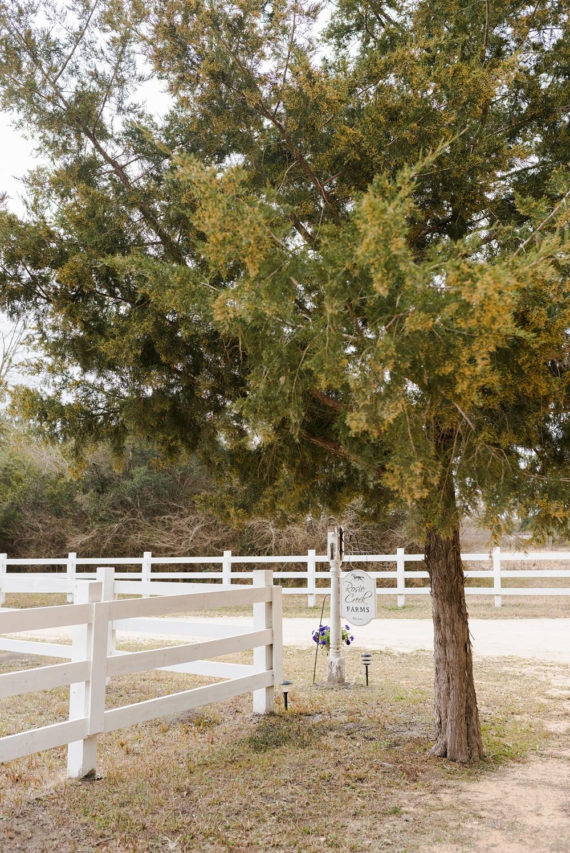rosie-creek-farms-florida-alabama-barn-wedding-kiersten-taylor-dothan-panama-city-30a-destin-photographer-1.jpg