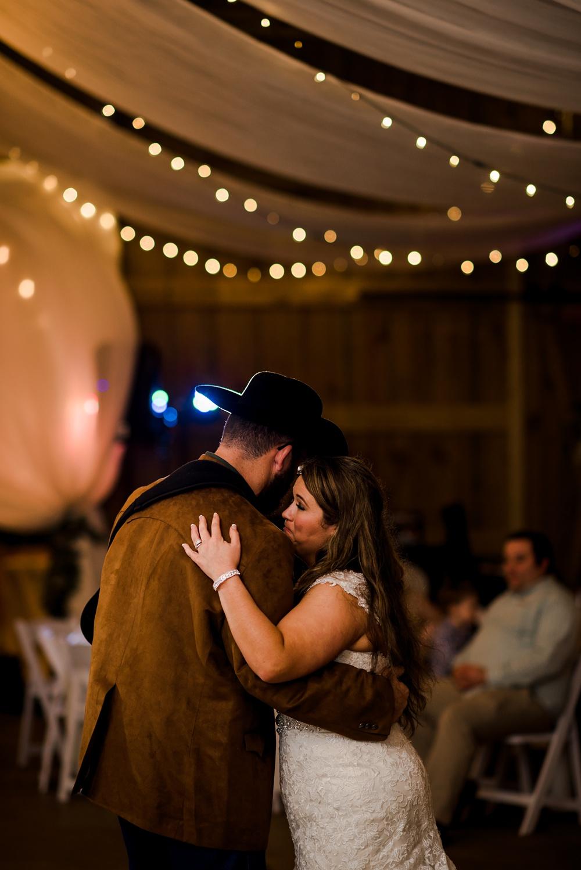 rosie-creek-farms-florida-alabama-barn-wedding-kiersten-taylor-dothan-panama-city-30a-destin-photographer-166.jpg