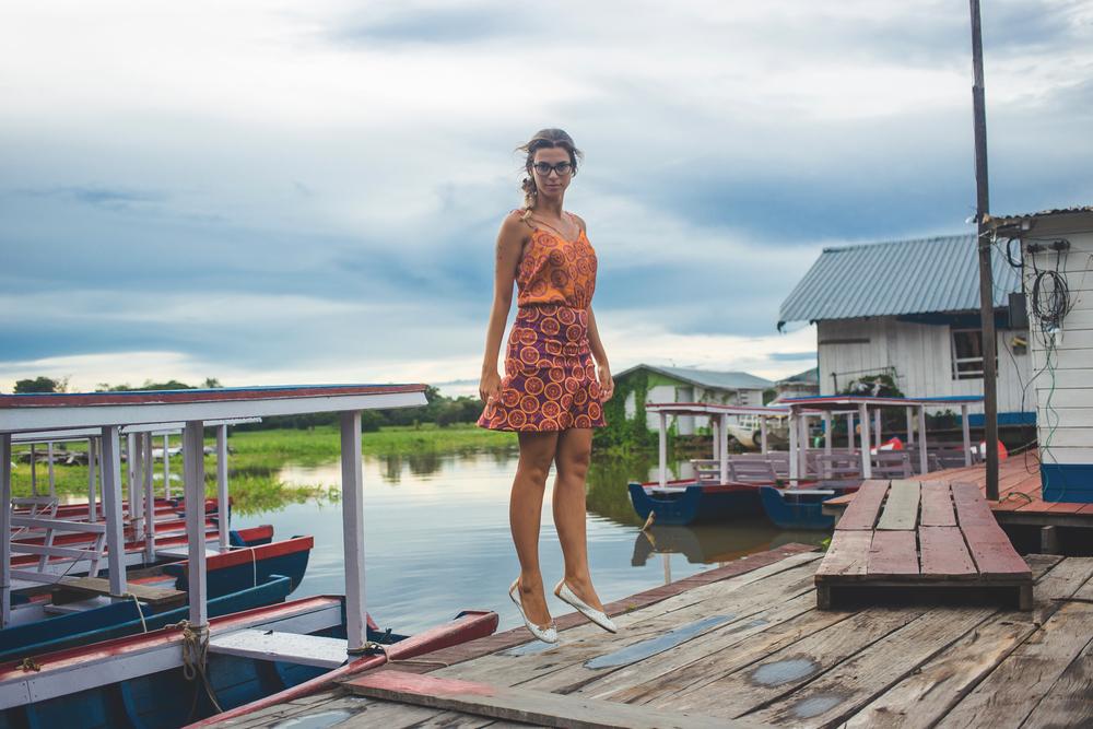 Restaurantes flutuantes no Rio Negro  |  Veja mais fotos no nosso  Instagram