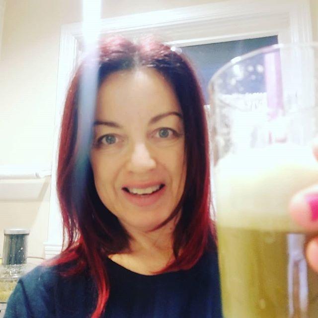 My 6:30 am celery juice party!!! Who's with me?? #celeryjuiceheals #celeryjuicebenefits #celeryjuice #celeryjuiceforlife #medicalmedium #guthealth #digestivewellness #happygut #restoreyourhealth #healthyskindrink #antiaging #stayyoung