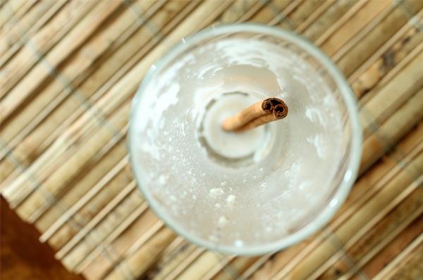banana-mylk-almond-butter-smoothie-02