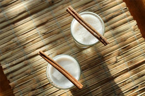 banana-mylk-almond-butter-smoothie-03