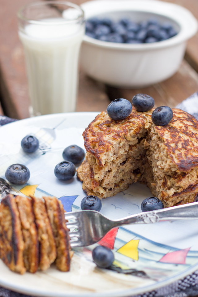 3 Ingredient Banana Oat Pancakes by Klean Kuisine-2