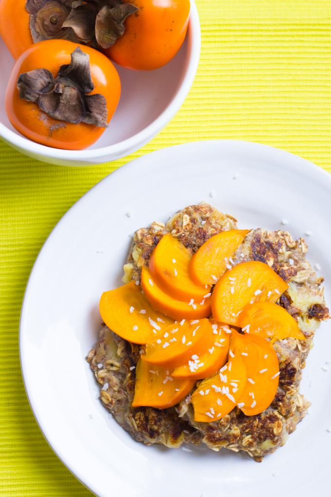 4 Ingredient Vegan Banana Oat Pancakes by Klean Kuisine-1