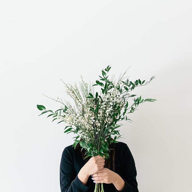 We like our flowers like we like our businesses...growing! 🌱🍃🌿 We are working on some stellar tools and resources for you to help you grow your business the right way. So tell us - what are some ways you've grown in your career or business this year? 💬