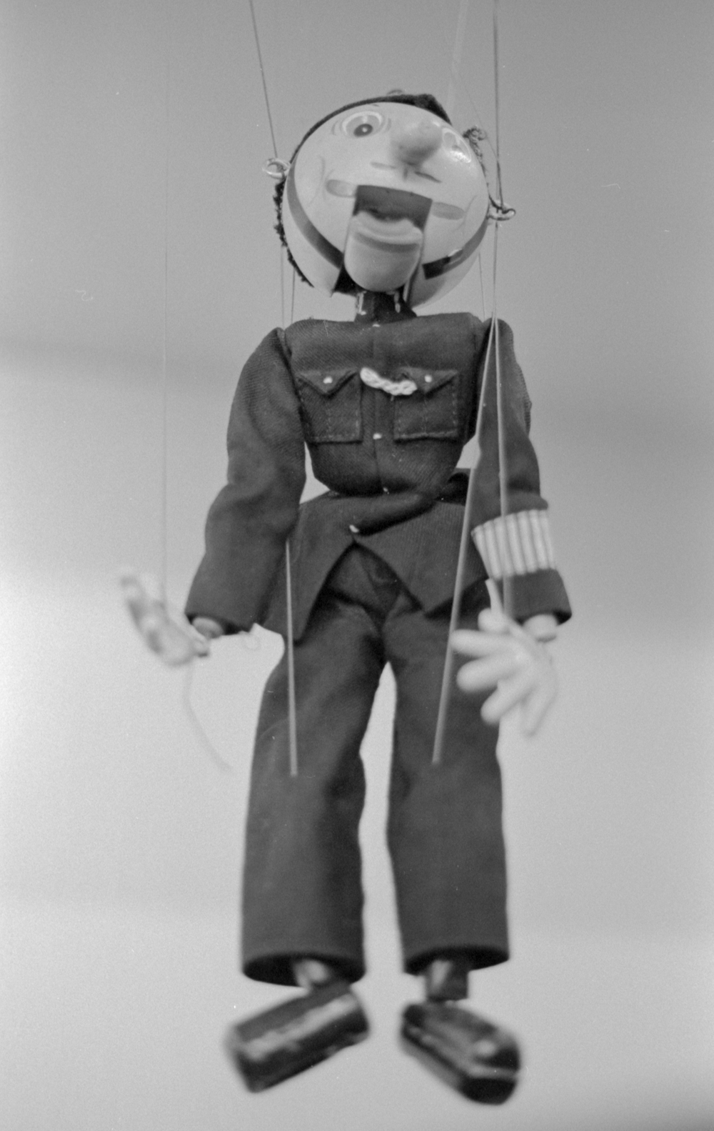20 Aug 2016, Vintage puppet, Country Antique Fair Mall, Santa Clarita, CA, Kodak Tr-X 400, Canon EOS-1, Developed (D-76) and Scanned by me.