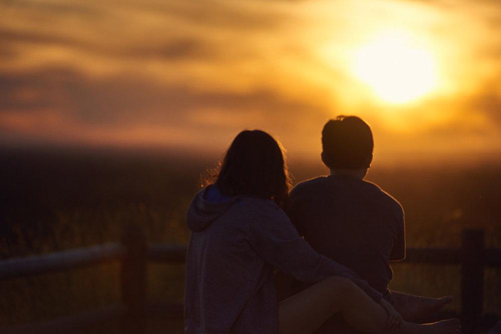 A couple enjoying sunset @ Camelback Park, (c) 2017 - Steven Starr