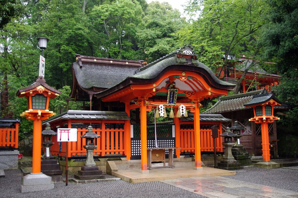 fushimi shrine rain.jpg