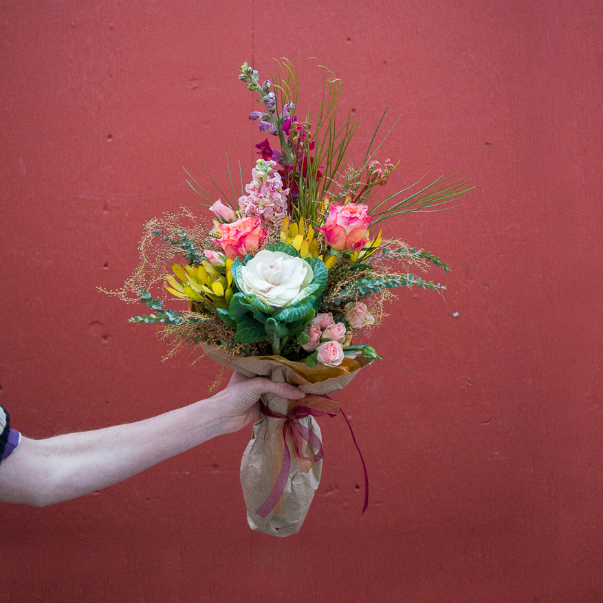 small flower bouquet subscription
