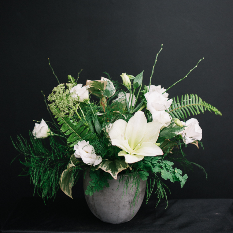 Mission de Flores Blog: Flowers To Give For Sympathy - White and Green Floral Arrangements