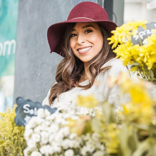 Friday afternoons by the blooms🌻 Photo by @chiccandidphotography . . . . #missiondeflores #themissiondistrict #flower_daily #flowerstagram #floralarrangement #flowersofinstagram #sf #sanfrancisco #sanfranciscolove #themission #themissiondistrict #missiondistrict #missiondistrictsf
