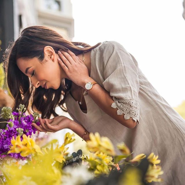 Stop and smell the flowers 🌸 When was the last time you took the time to appreciate the small things? 📷: @chiccandidphotography . . . . #missiondeflores #sanfranciscolove #sanfrancisco #missiondistrictsf #missiondistrict #flowers #stopandsmelltheflowers #stopandsmelltheroses #smelltheroses #smelltheflowers #sf #themission #sfgirl #flowersofinstagram
