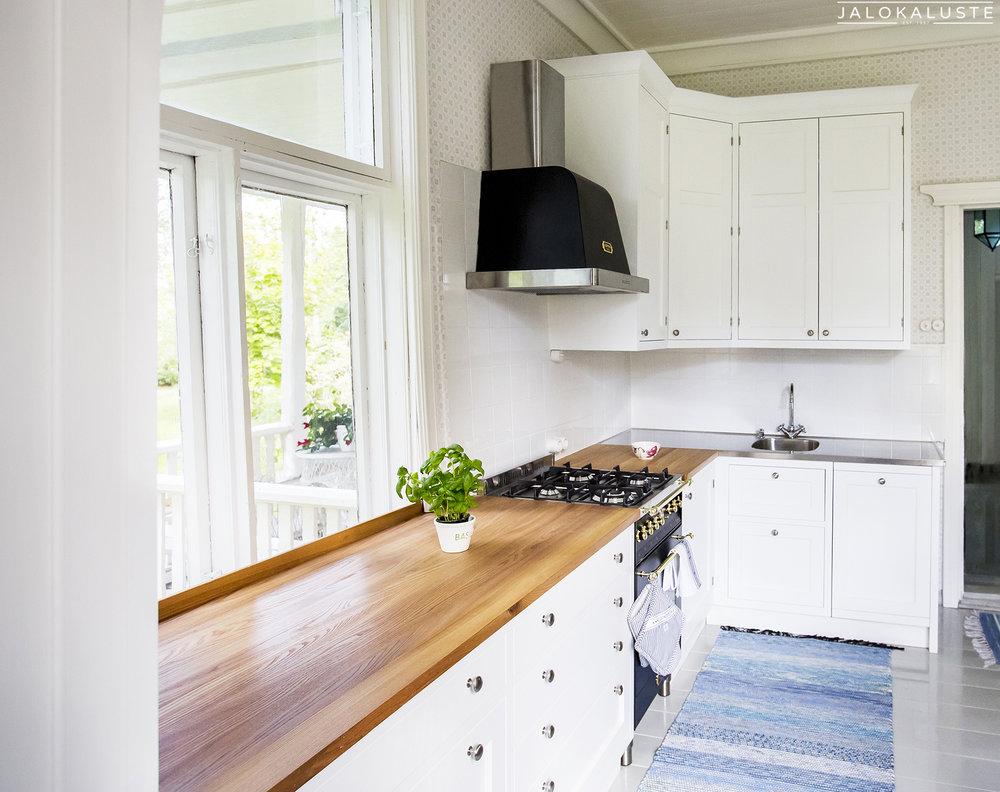 Vanhanajan keittiö Aino II 4_JALOKALUSTE.FI.jpg
