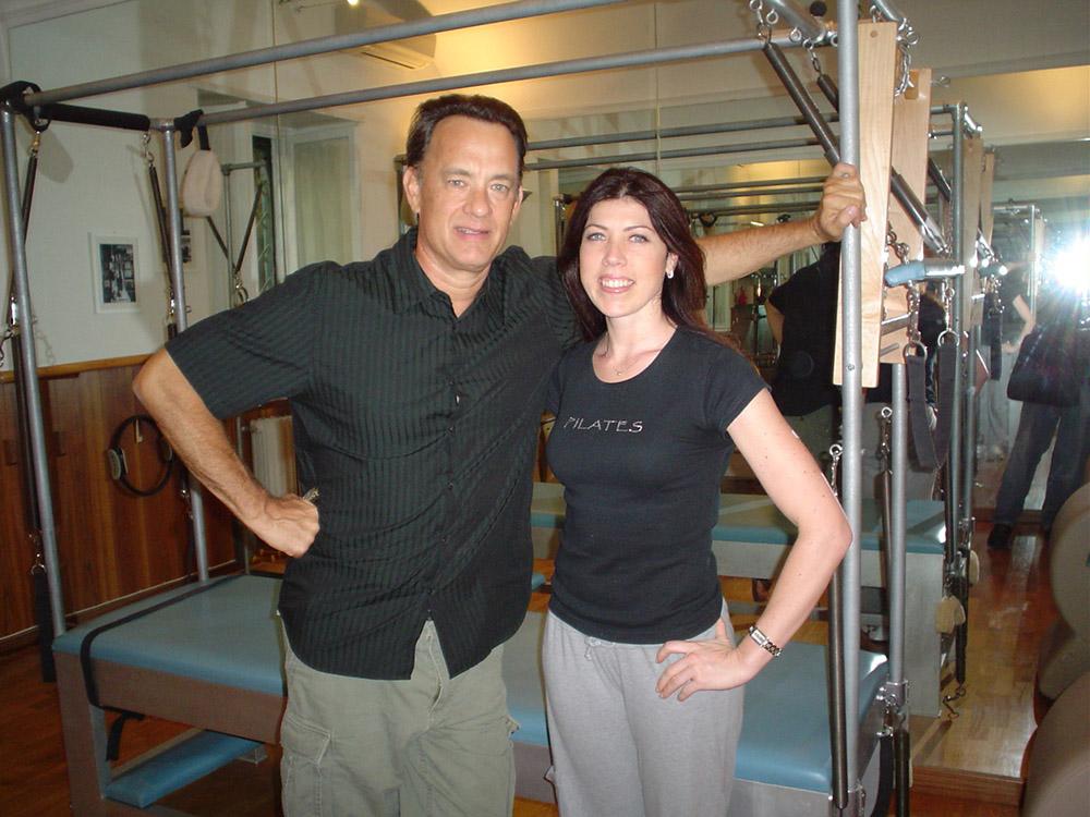 Sabina Formichella (responsabile dello studio TruePilates® Italia)con Tom Hanks.