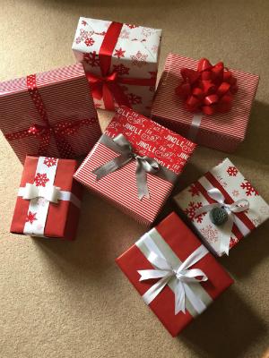 300 x 400 Gift wrap - Wendy Badlan.jpg