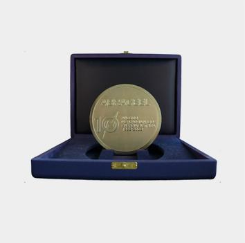 Medalha Abraceel Mercado Livre 10 anos, entregue em 2008, pela relevante contribuição para o Mercado Livre de Energia Elétrica no Brasil