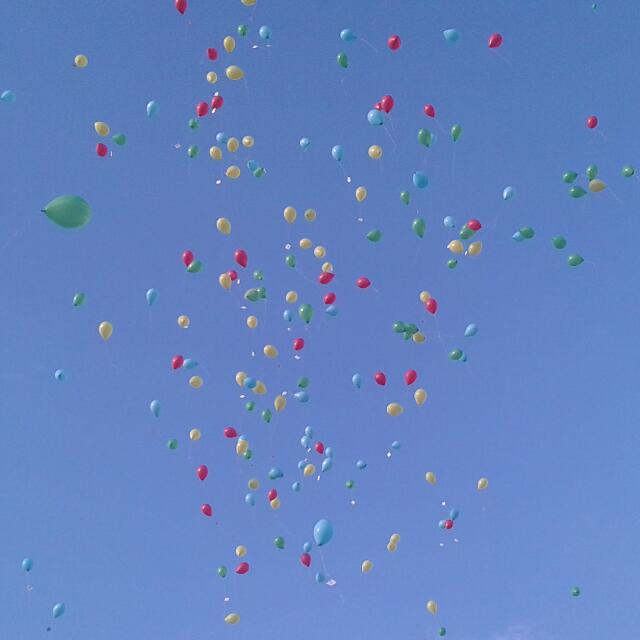 Lancio palloncini a Molteno