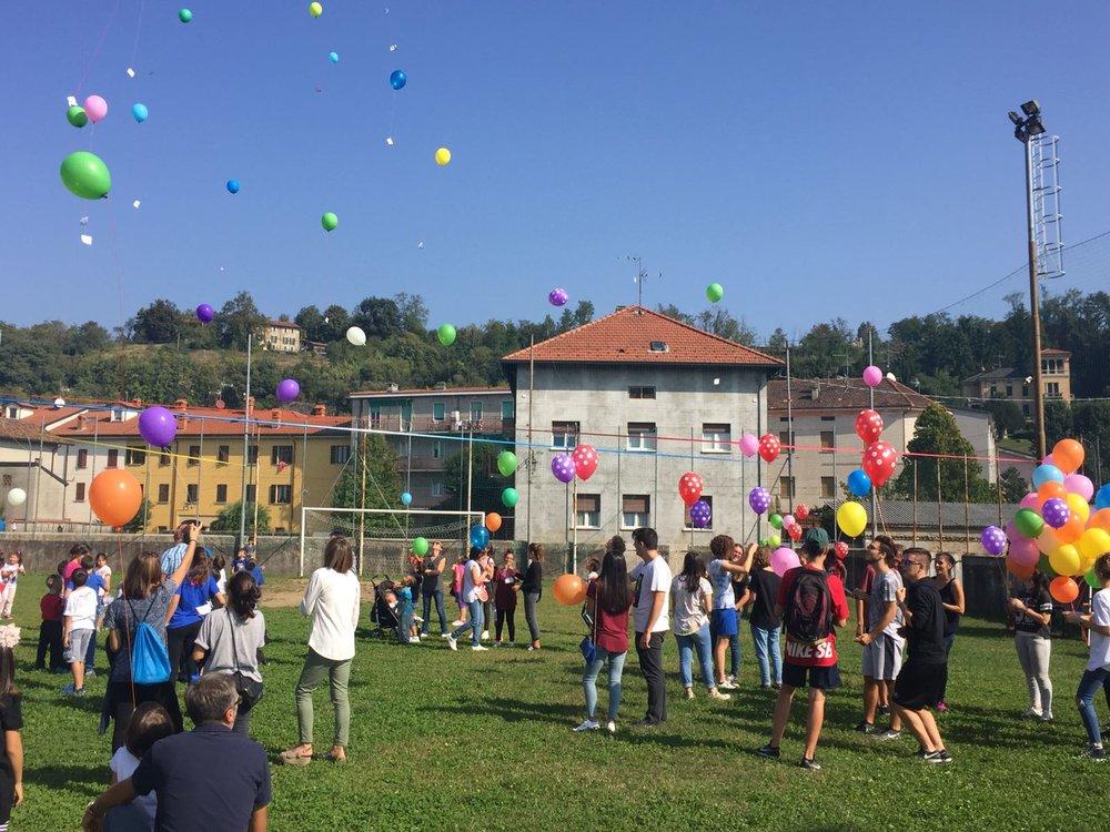 Lancio palloncini a Sirone