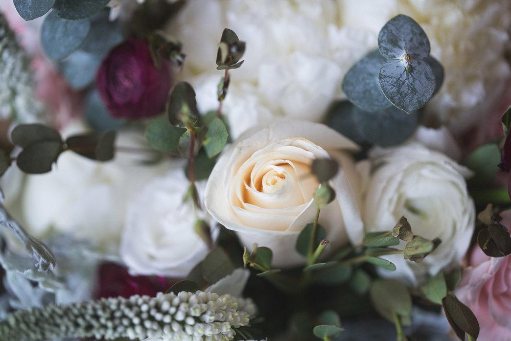 Michigan-Wedding-Photographer-Light-Garden-Photography-9.jpg