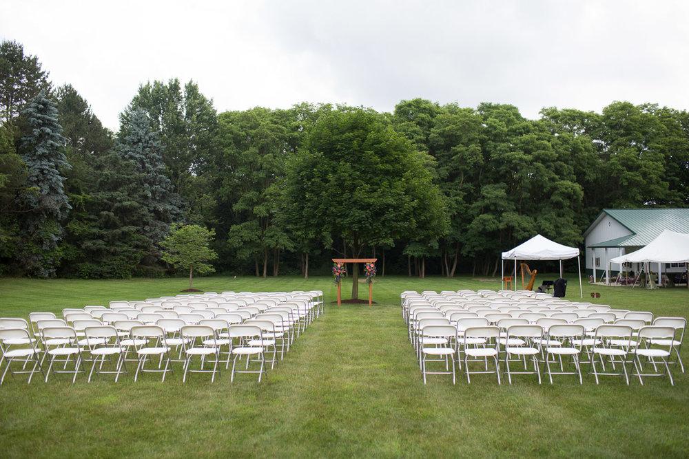 Michigan-Wedding-Photographer-Light-Garden-Photography-27.jpg