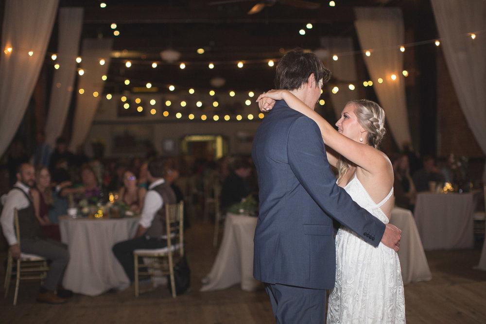 Detroit-Wedding-Photographer-Light-Garden-Photography-65.jpg