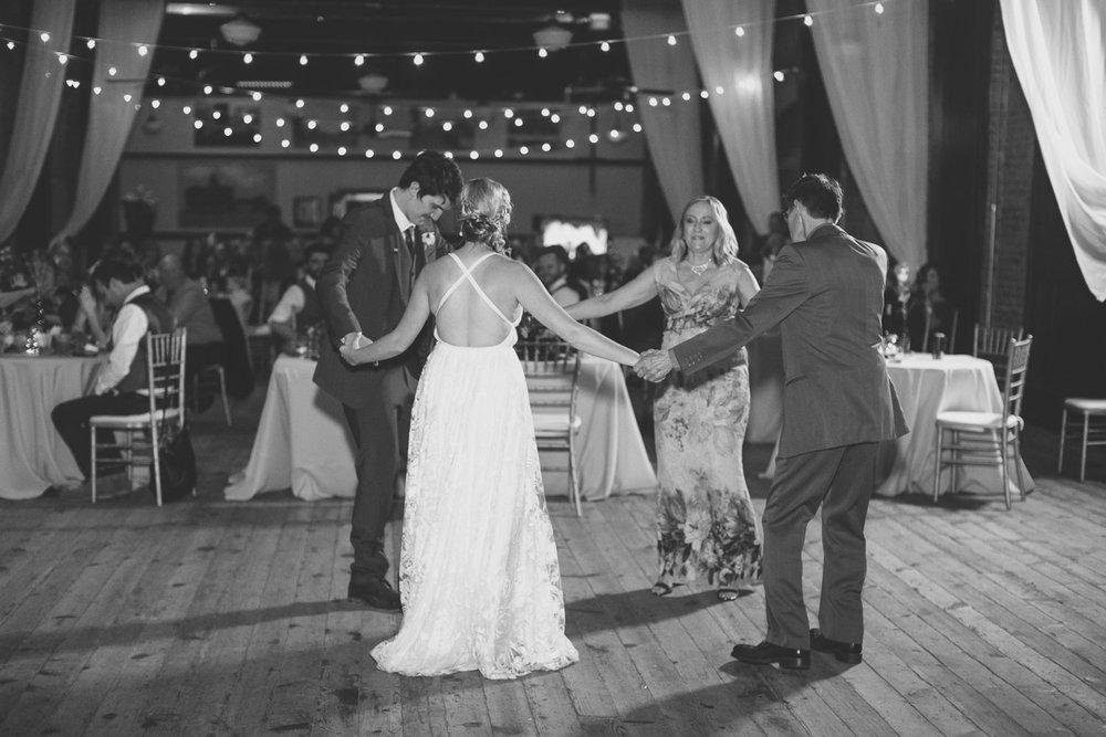 Detroit-Wedding-Photographer-Light-Garden-Photography-66.jpg