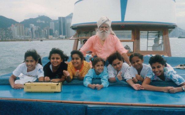 Gurudev Boat Kids.jpg