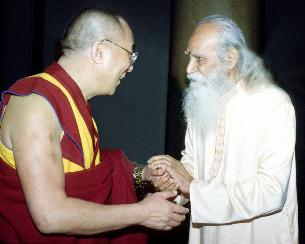 press-Swami-Satchidananda.-Dalai-Lama.jpg