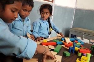 Nepal: Fertigstellung von 486 Klassenzimmern Ausbildung von 239 Lehrern in von Erdbeben betroffenen Gemeinden Eröffnung unserer ersten Schule in einer Backstein-Fabrik (Planung für den Bau von fünf weiteren!) Bestätigung von Finanzierungsmöglichkeiten, damit Mädchen in extrem am Rande der Gesellschaft gedrängten Musahar Gemeinden zur Schule gehen können (Bildungsrate ist gerade mal bei 4%!)